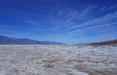 Sky and salt. Ciel et sel. (France-♥) Tags: 935 deathvalley dvnp californie salt sky usa bleu blanc sel horizon