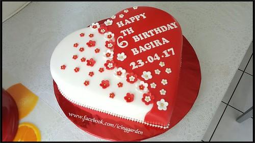 Birthday Cake Fondant Icing Cake 6 Th Birthday Cake Heart