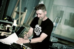 Flicking the switches (JO_Wass) Tags: sun festival sailing midnight technician mixing backstage dalsbruk taalintehdas balticjazz