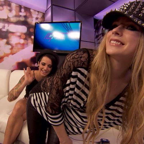 spanked Avril lavigne and