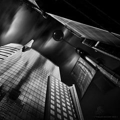 Big Brother (Thibault Roland) Tags: camera city nyc newyorkcity longexposure sky blackandwhite bw cloud newyork reflection building art architecture clouds reflections blackwhite movement photographie noiretblanc fineart 110 nb reflet reflect filter timesquare le nd reflets dart ville immeuble batiment density metropole fineartphotography reflects noirblanc neutral archit nd110 photographiedart