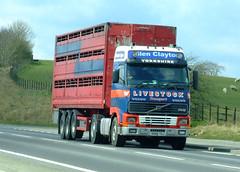 Volvo FH12 Glen Clayton Livestock Yorkshire R280 TUJ (SR Photos Torksey) Tags: truck volvo cattle clayton transport glen lorry livestock