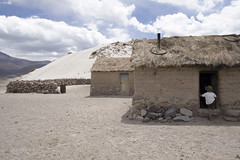 Sajama10 (Marisela Murcia) Tags: bolivia sajama chulpas nationalparksajamaaltiplanobolivianoculturaprehispánicacarangas chullpaspolicromas