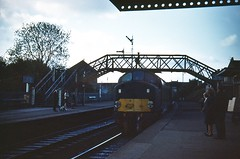 Morning Arrival. (Kingfisher 24) Tags: scotland footbridge fife passengers signals halina platforms class40 35x englishelectrictype4 d276 inverkeithingstation