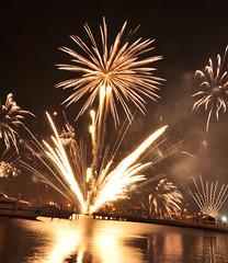 Fireworks (Dina Alkhoudari) Tags: marina nikon dubai fireworks uae dubaishoppingfestival dsf  d90 unitedarabofemirates  dubaifestivalcenter