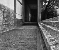 carlo scarpa, architect: brion tomb, san vito d'altivole cemetery, 1969-1978 (largely completed by 1972). entrance to the chapel. (seier+seier) Tags: cemetery grave japan architecture frank concrete tomb creative modernism commons chapel cc lloyd carlo wright brion symbolism scarpa carloscarpa neoplasticism seierseier