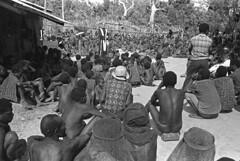 album2film142foto006 (Melanesian cultures) Tags: baliem baliemvallei sibil sibilvallei josdonkers eranotali wisselmeren papua irian jaya nieuwguinea ofm franciscanen minderbroeders missionaris