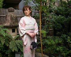 Tokyo50-40 (Diacritical) Tags: japan kagurazaka kimono tokyo6 april12017 leicacameraag leicamtyp240 summiluxm11435asph f14 ¹⁄₅₀₀sec centerweightedaverage tokyo street