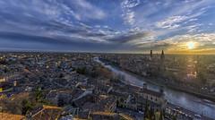 Atardecer en Verona, ciudad de Romeo y Julieta / Sunset in Verona, city of Romeo and Juliet (D. Lorente) Tags: dlorente nikon city ciudad atardecer sunset verona urbana urban nubes