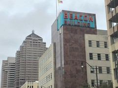 Beacon Building (jericl cat) Tags: columbus ohio 2016 beacon building rooftop neon sign modern midcentury office landmark 1957 gay street