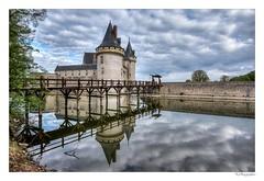Chateau Sully sur Loire (JG Photographies) Tags: europe france french loiret centrevaldeloire sullysurloire château douve médiévale hdr jgphotographies canon7dmarkii moyenâge loire