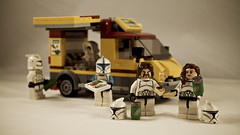 IMG_1269 - Pizza Aboard the Jolly Ole DS (PhilRedbeard) Tags: death star deathstar pizza truck food lunch clones clonetrooper brkdew