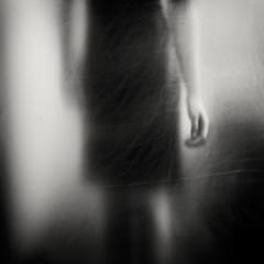 The Hand (Elke Kulhawy) Tags: kunst bnw bw blackandwhite dream elkekulhawy art verschwommen uni black hand