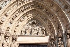 Castelló d'Empúries (Catalogne/Espagne) (PierreG_09) Tags: catalunya cataluña spain spanien espanya españa espagne emporda ville village castellódempúries clocher église cathédrale santamaria basilique portail tympan sculpture