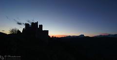 Rocca Calascio, ultimi sussulti (EmozionInUnClick - l'Avventuriero's photos) Tags: gransasso roccadicalascio castello crepuscolo silouette