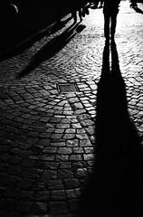 Tri-x -rodinal (Claudio Taras) Tags: claudio contrasto controluce canona1 analogica analogico film 35mmfilm 5omm1 4 street shadow streetshot people portrait bw bokeh bokehlicious bianco nero monocromo monochrom filmisnotdead