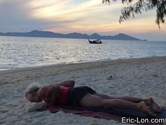 Yoga sun salutations at Kradan (8) (Eric Lon) Tags: kradanyogaavril2017 yoga sunrise salutations asanas poses postures beach plage mer thailand kradan island ile stretching flexibility etirement souplesse body corps fitness forme health sante ericlon