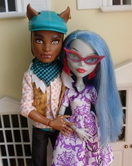 Ghoulia & Clawd Wolf (Monster High: Ghoulia Yelps, Clawd Wolf) (zmeya_murena) Tags: ghouliaclawdwolfmonsterhighghouliayelps clawdwolf