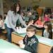 Vácrátóti általános iskolás gyermekek iskolatejet kapnak