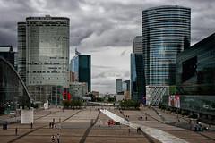 Perspective de la Défense. Paris (jjcordier) Tags: ladéfense paris puteaux perspective bâtiment ville place
