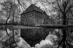 Wasserschloss Tauchritz (matthias_oberlausitz) Tags: wasserschloss teich wasser schloss tauchritz bertsdorfer see hagenwerder ruine lost place oberlausitz