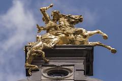 Joris en de draak, Antwerpen (Jan Sluijter) Tags: antwerpen statue beeld gildehuizen grotemarkt belgië belgium belgique joris draak george dragon georg