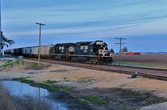 Illinois Twilight (BravoDelta1999) Tags: norfolksouthern ns railway wabash wab railroad bloomingtondistrict illinois emd sd402 3556 gp60 7129 d32 manifest train galesville