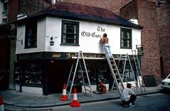 135_32__20_08_1987_London (bromand) Tags: london vintage asahipentaxspotmatic pentaxspotmatic nostalgicmemories nostalgic memories scan slide nikon coolscan ved nikoncoolscanved coolscanved