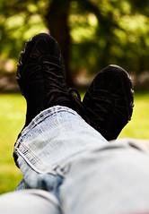 relax (Barbara.K) Tags: summer relax dof bokeh sneakers denim canon500d differentialfocus eos500d canonefs55250mm canonrebelt1i