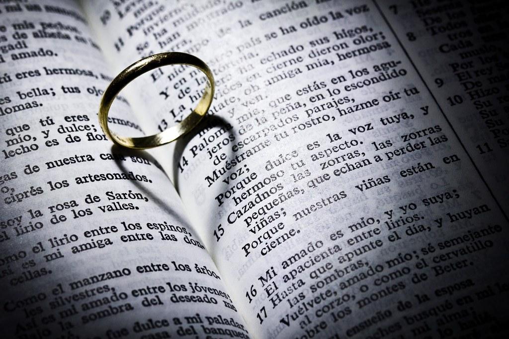 El anillo en la biblia