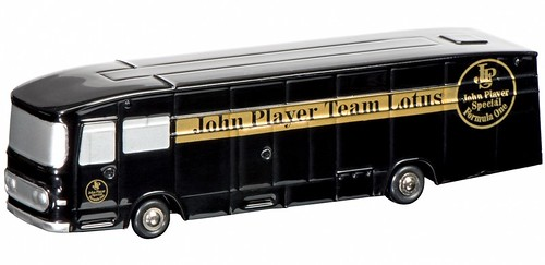 aec-john-player-special-renntransporter-450162700-de_00
