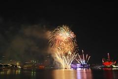 2T2J0051 (GengHui (a.ka. Jinghui ) Tags: travel tourism singapore fireworks events ndp marinabay ndp2013 nationaldayparade2013