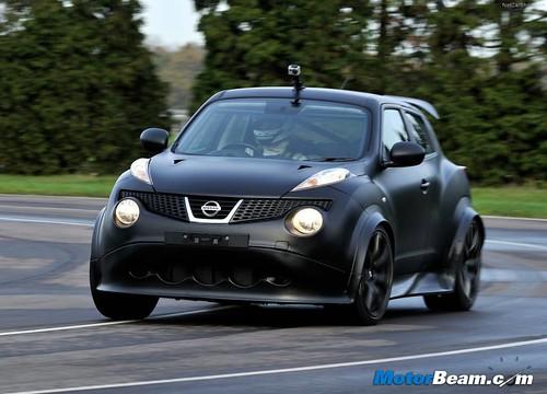 Nissan-Juke-R-13