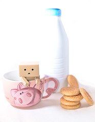 milk (StefanoRABORabolini) Tags: light italy toy milk exposure italia bokeh milano manga actionfigures streetphoto latte varese luce biscotti giochi 50mmf18 yotsuba danbo streetphotographer nital nikkor50mm bokehlicious nikond600 danboard ios7 nissindi700