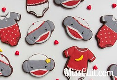 Singes-chaussettes & cache-couches (MissCuit.com) Tags: baby cookies table shower monkey sock sweet pop biscuit cupcake marshmallow bebe muffin onesie camisole singe sucrée chaussette guimauve lollipoop