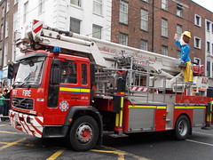 Saint Patrick's Day Parade Limerick 2014, Limerick Fire Brigade Fire Appliance, Volvo Angloco Bronto Skylift ALP Apparatus (firehouse.ie) Tags: lk11 volvofire limakilooneone echotwo li11e2 sp firefighters firemen firefighter fireman 112 999 911 emergency pompieri pompiers pompier hasici pumpers pumper pumps pump tenders tender lorries lorry trucks truck engines engine feuerwehr fire fuoco fd fb feuerwehrauto brandweer bomberos bombeiros brigade bombero bombeiro straz sapeurs service services sapeur department dept appliance apparatus appliances vigili vehicle vehicles vigilidelfuoco