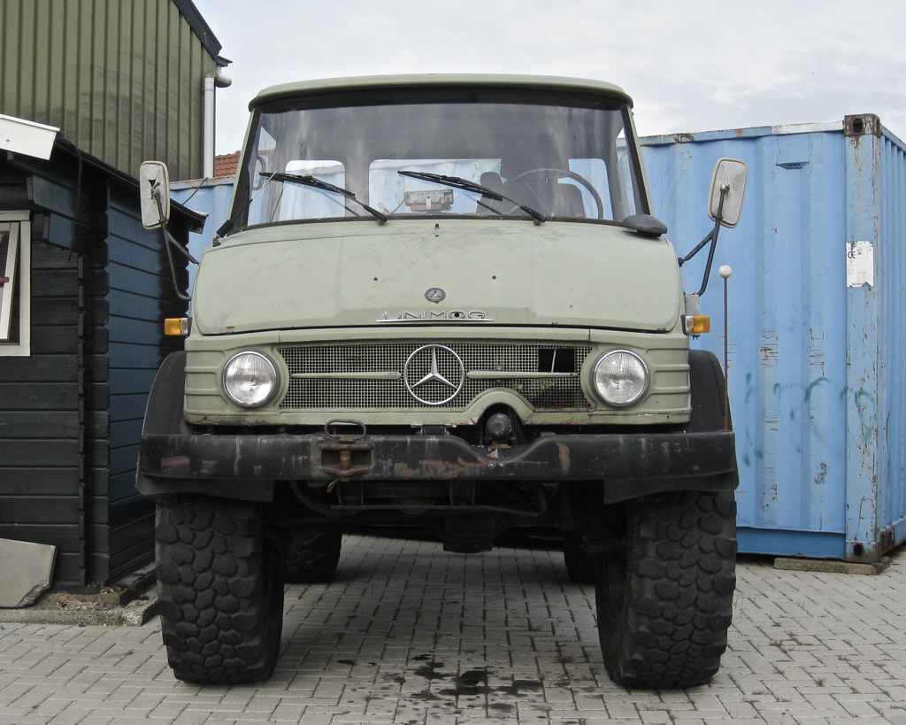 The world 39 s best photos of unimog and vehicle flickr for Mercedes benz 4x4 truck