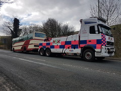 Volvo FH13 Rear Suspend Towing A Coach (JAMES2039) Tags: volvo tow towtruck truck lorry wrecker heavy underlift heavyunderlift 6wheeler 4wheeler rear rearsuspend cardiff rescue breakdown ask askrecovery recovery fh13 pn09juc pn09 juc bus coach