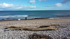 Stonehaven Beach, Stonehaven, March 2017 (allanmaciver) Tags: stonehaven beach sand stones driftwood view point low sea watch waves people dog clouds drift march warm sunshine allanmaciver