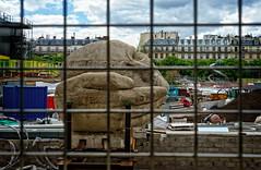 Henri de Miller, L'Écoute (Tigra K) Tags: paris îledefrance france fr 2013 city face fence funorinterest garden lattice sainteustache sculpture art pattern