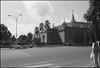 1993-10-06-0017.jpg (Fotorob) Tags: cultgezondhwetenschap onderwijsenwetenschap universiteitsgebouw architecture spanje city analoog tafereel anoniem españa spain architectura architectuur sevilla andalusia