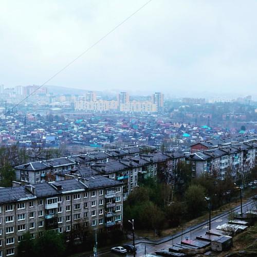 Весенний дождь барабанит по крыше... #Иркутск