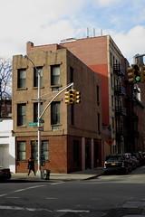 (paul.comstock) Tags: manhattan nyc newyork february 2017 feb2017 urban digital digitalphotography digitalphotograph canons120 canon s120 8feb2017 wednesday greenwichvillage westvillage carminebedford carminestreet bedfordstreet intersection building brickbuilding