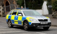 Police Service Northern Ireland / OFZ 1766 / Skoda Octavia Estate / Incident Response Vehicle (Nick 999) Tags: police service northern ireland ofz 1766 skoda octavia estate incident response vehicle psni irv emergency blue lights sirens policeservicenorthernireland ofz1766 skodaoctaviaestate incidentresponsevehicle