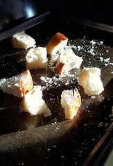Anglų lietuvių žodynas. Žodis sourdough bread reiškia sargas duonos lietuviškai.