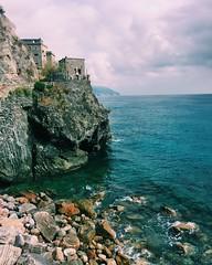 Monterosso (Chiara Ferri) Tags: monterosso italy sea summer holiday sun seascape