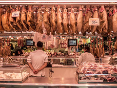 Barcelona 2017: Hams (mdiepraam) Tags: barcelona 2017 laboqueria foodmarket ham