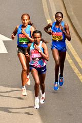 Floating (Geoff Henson) Tags: marathon london canarywharf runners women nikon sigma floating 2017 tirunesh dibaba runner athlete aselefech mergia helah kiprop kenya
