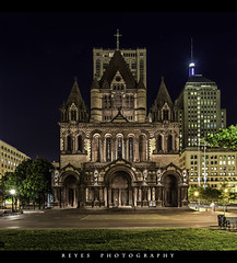 The Trinity cathedrale. .::HDR::. (Wolf*gang) Tags: usa night canon nightshot massachusetts bostonma hdr eos1d eos1dx canon1dx me2youphotographylevel2 me2youphotographylevel3 me2youphotographylevel1 e2youphotographylevel1