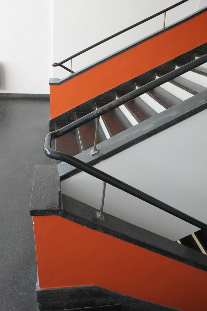 bauhaus kunst treppenhaus staircase jacques tueverlin tags urban abstract art architecture stairs canon germany kunstepochen